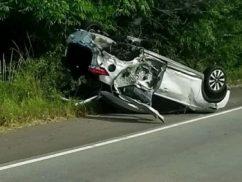 Colisão entre veículos deixa duas pessoas feridas na AL-101 Sul
