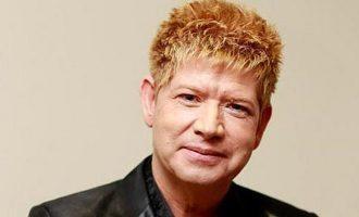 O cantor Roberto Leal, que se tratava de câncer de pele no Brasil, morre aos 67 anos