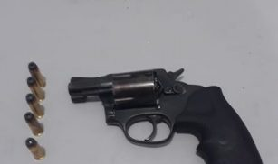 Homem é preso por porte ilegal de arma de fogo na Zona rural de Feira Grande