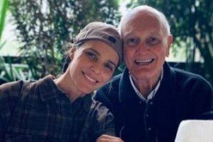 """""""Lutando para viver"""", diz Fernanda Lima sobre saúde do pai"""