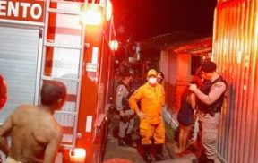 Corpo é encontrado carbonizado após incêndio em residência, em Santana do Ipanema