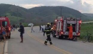 Duas pessoas morrem e três ficam feridas após carro capotar na AL-101