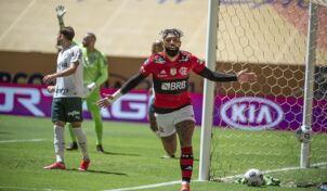 Em jogão, Flamengo vence o Palmeiras nos pênaltis e conquista a Supercopa